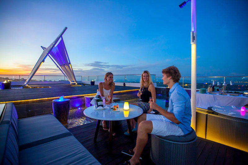 2-jimbaran-rooftop-bar-3