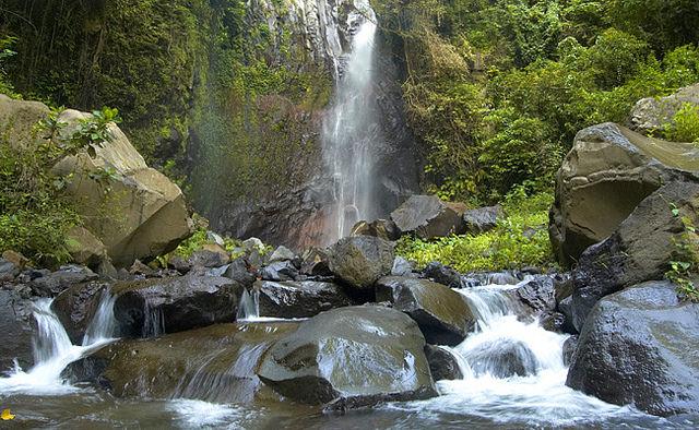 Yeh-Mampeh-Waterfall-trihartadi.blogspot.sg