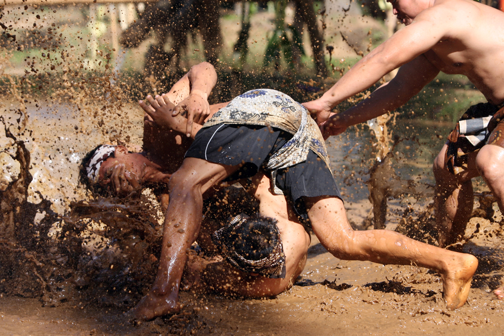 Mepantin-mud-games-by-top-Indonesia-1