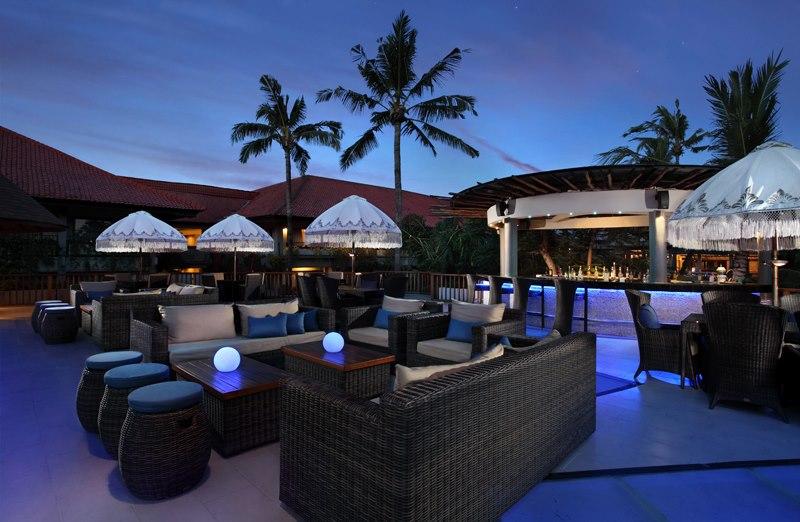 dynasty resort H2O bar at upper deck