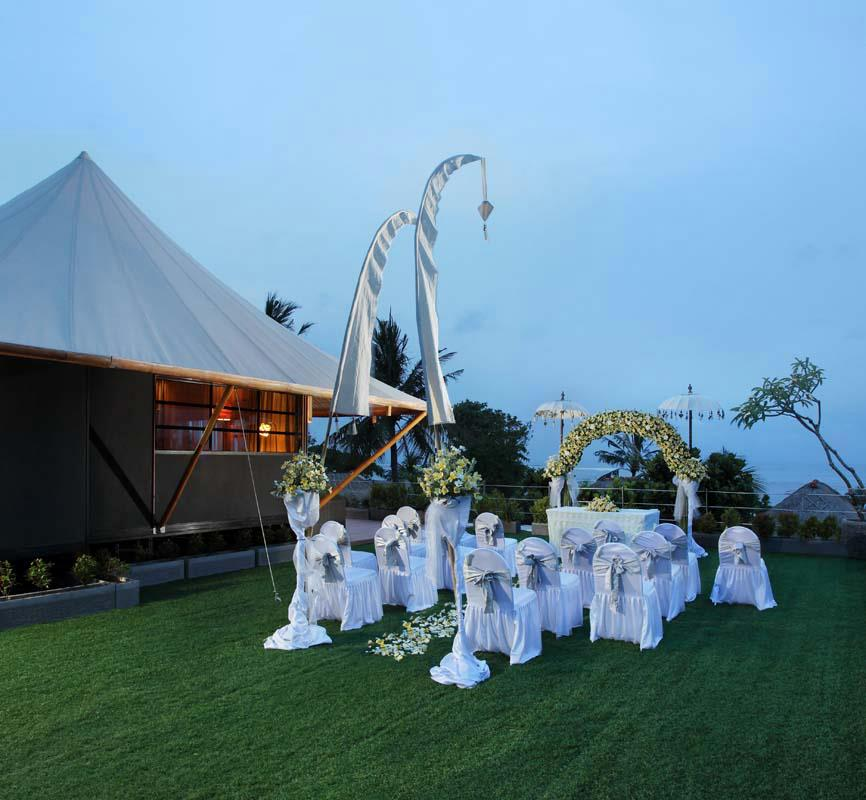 dynasty resort outdoor wedding