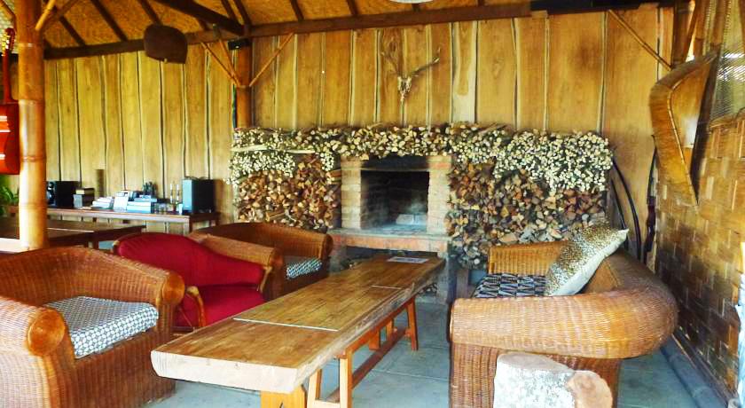 sang-giri-tents-fireplace-by-sanggiri-2
