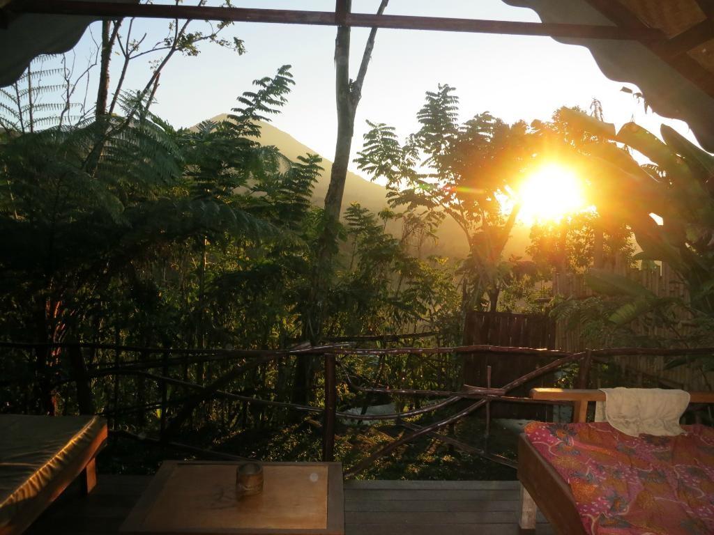 sang-giri-tents-sunrise by bobbysocks76