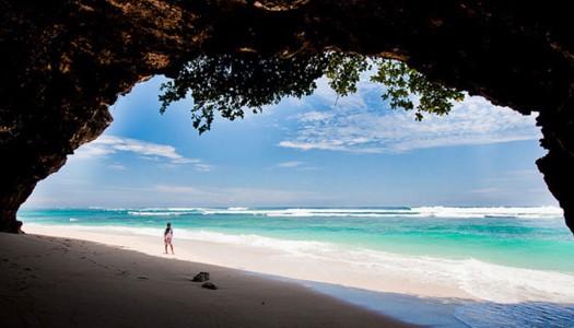 15 pantai tersembunyi di Bali dengan pesona yang tiada duanya