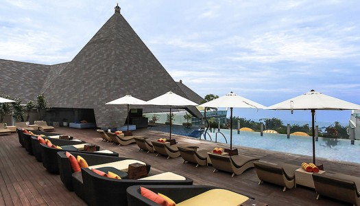 16 hotel asik di pinggir pantai di Bali di bawah 1 juta