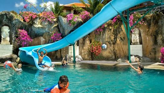 9 resort keluarga pinggir pantai di Bali dengan kolam anak dan perosotan yang asik