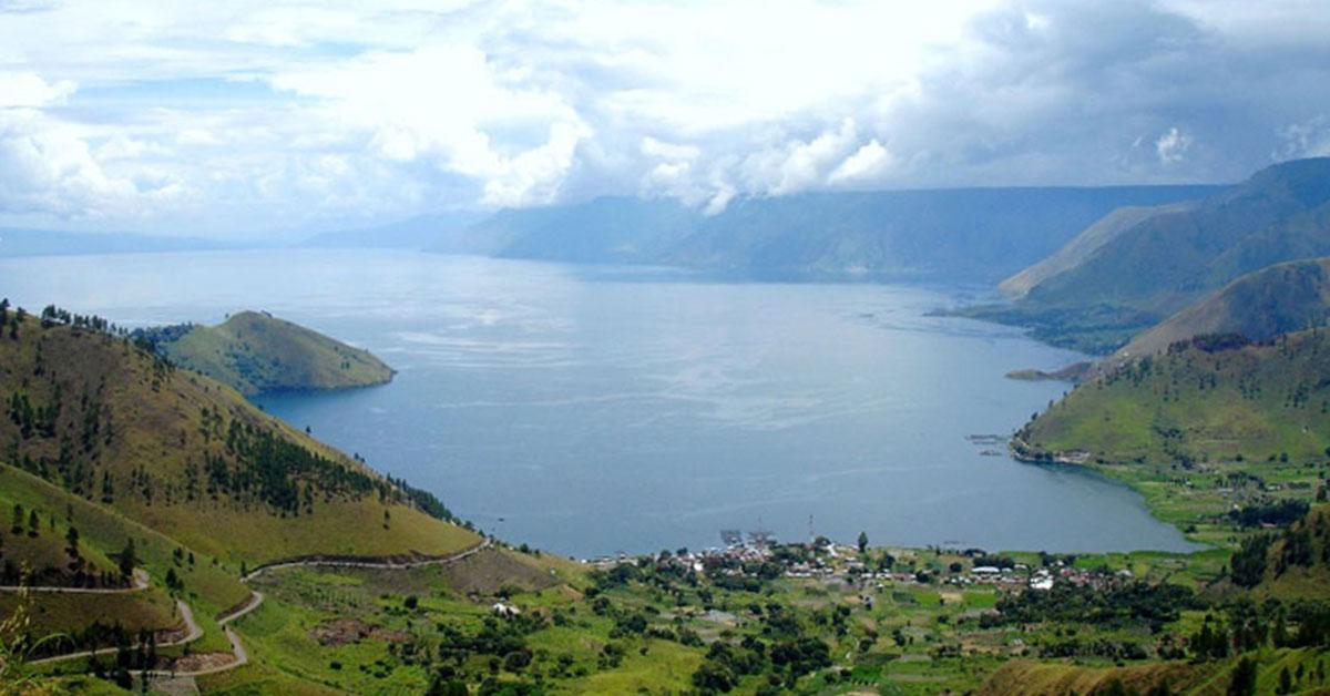 Tips lengkap liburan ke Danau Toba: tempat menginap ...