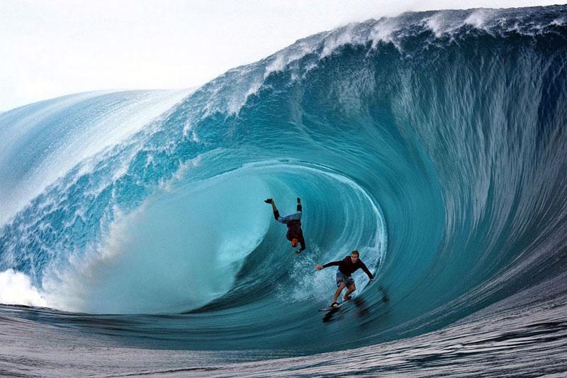 2-b-1-Pantai-Plengkung----Surfing-by-agentwisatabromo