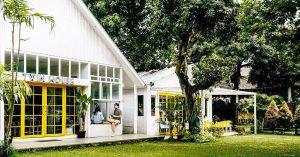 15 tempat makan romantis di Jakarta dengan suasana taman cuma 200 ribuan berdua