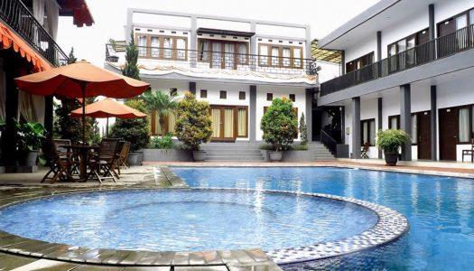 10 hotel di Lembang dengan kolam renang untuk liburan keluarga dibawah 500 ribu