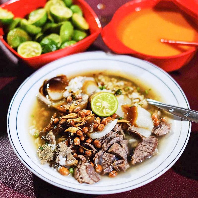 16 Kuliner Kaki Lima Malam Hari Di Bandung Yang Terkenal Enak Dan