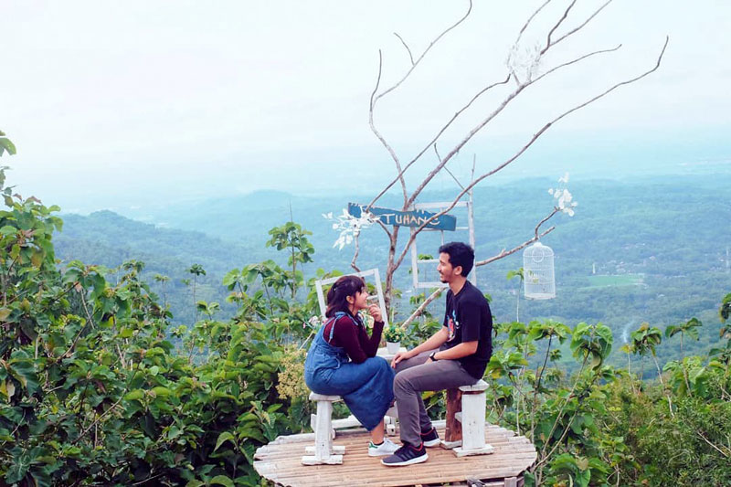 20 Tempat Wisata Romantis Di Jogja Dengan Hawa Sejuk Pemandangan Keren Dan Murah