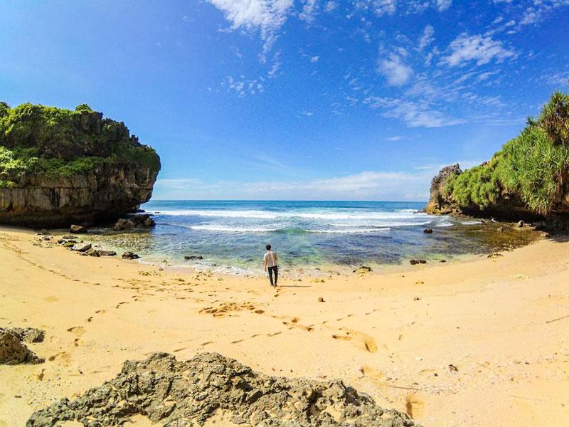 23 Hidden beaches in Yogyakarta (Gunung Kidul) with pristine