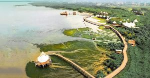 10 Alasan menginap di Beejay Bakau Resort – Tempat menginap & liburan paling lengkap untuk keluarga