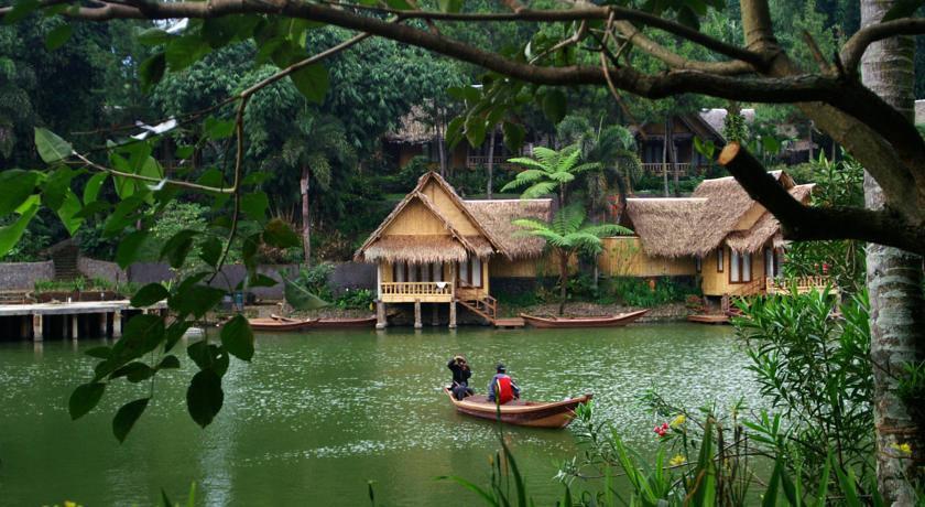 Kampung Sampireun - Tripcanvas