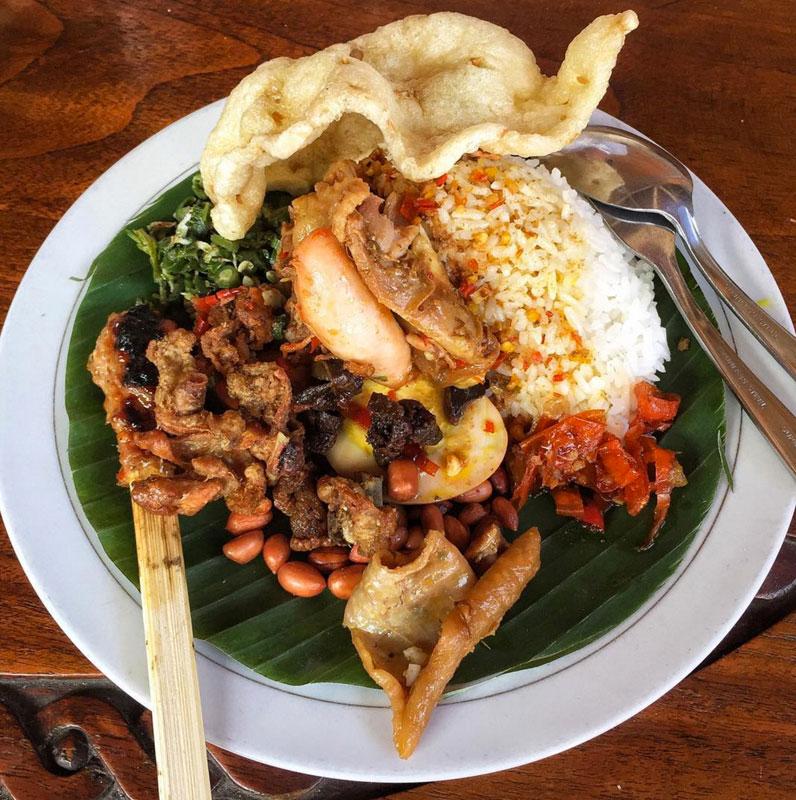 25 Tempat Makan Halal Di Bali Yang Lezat Dan Murah Rata