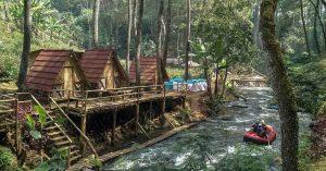 Penginapan murah tepi sungai nan asri di Bandung: Kampung Singkur