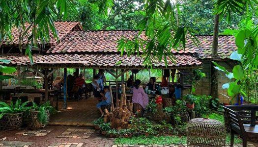 Tempat makan 'ndeso' tersembunyi di BSD Tangerang di tengah hutan bambu – Warung Tuman