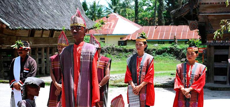 lake-toba-culture-show
