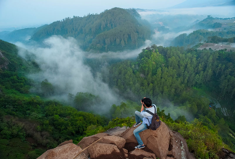View from Bandung's Tebing Keraton in Indonesia | TripCanvas Indonesia