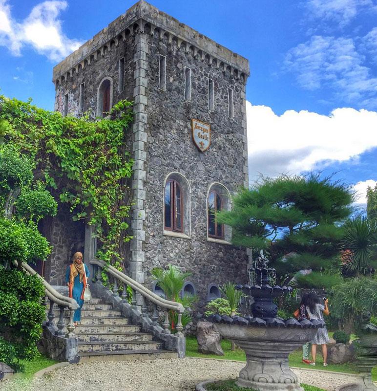 10-2-castle-via-sdmrmdhn