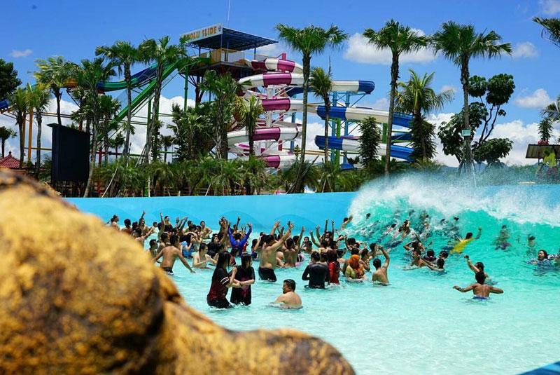 1-3-waikiki-tsunami-pool