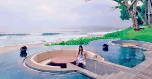 10 Affordable luxury beachfront Lombok Villas with ocean view rooms