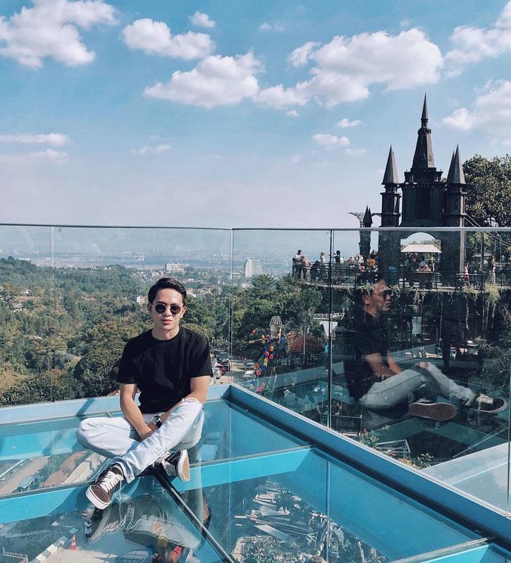 40 Café Unik Di Bandung Yang Instagrammable Dan Asyik Buat