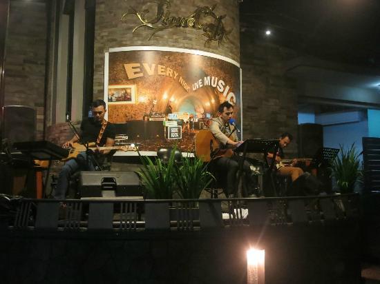 stone cafe live music via manajemen