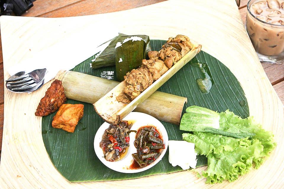 Dusun-Bambu-Burangrang-Cafe-2