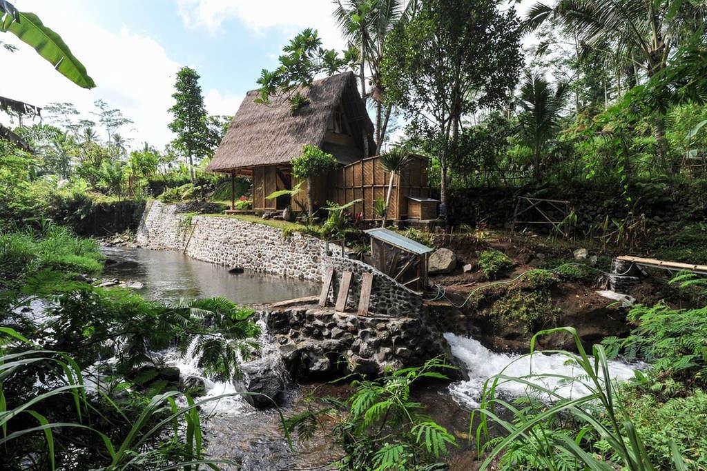 4-hideout1-via Airbnb