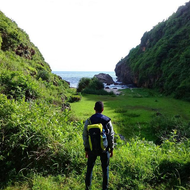 Wohkudu Hills Travelling Man