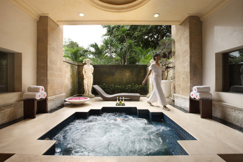 InterContinental Bali Resort Female Jacuzzi