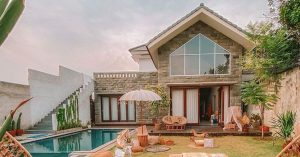 Fulfill your Bali wanderlust with this awe-inspiring villa in Jakarta - VillaVi